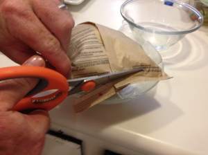 Cutting the eco-friendly pouch after being microwaved